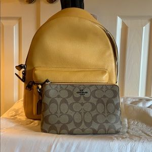 Coach Med Chle backpack with matching Wallet NWT